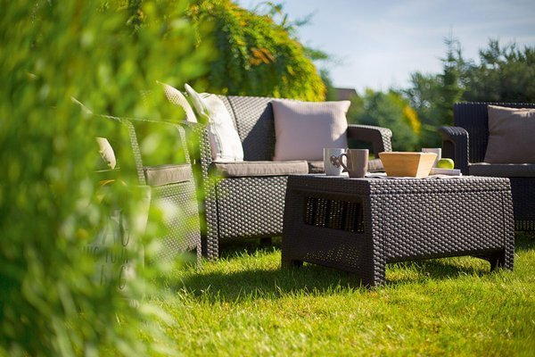 Ogrodowy stolik kawowy podnóżek CORFU - brązowy